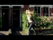 New Vadafone TV Commercial: Fighting Couple