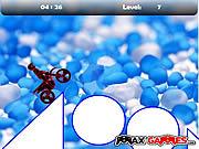 Play free game Max Dirtbike