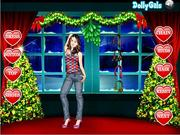 Play Lucia dress up Game