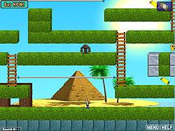 Pyramid Runner game